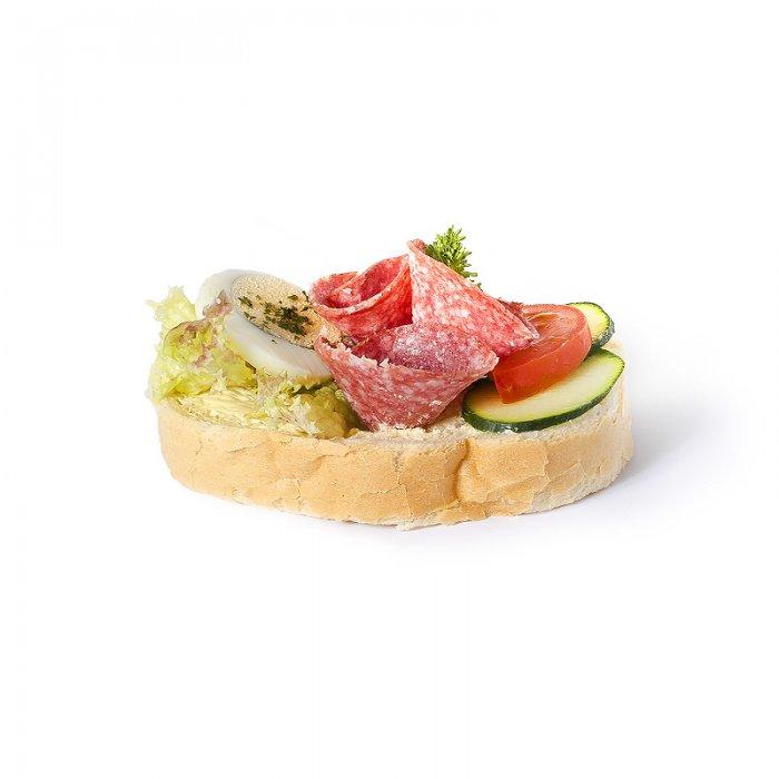 Chlebíček salámový